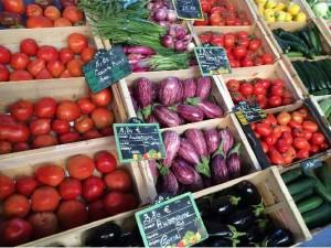 marche-ile-rousse-legumes